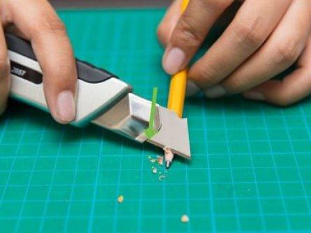 het potlood slijpen